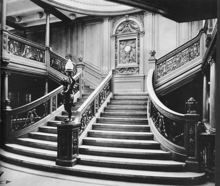 01 grand staircase