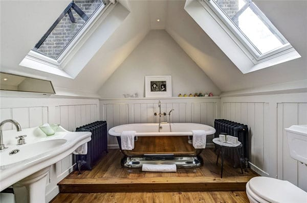 A bathroom in the eaves