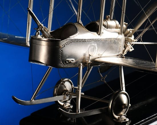 A detail of the plane