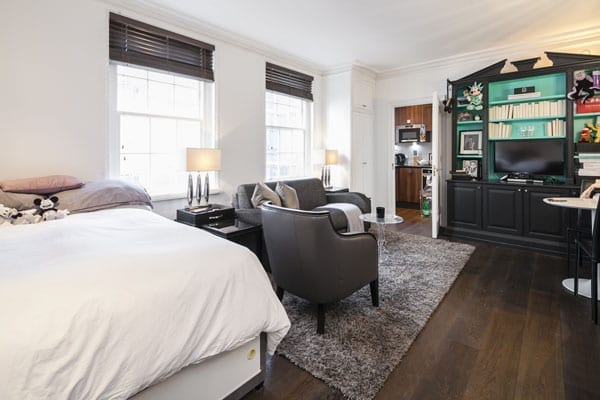 """Agents Wetherell suggest the compact flat would be """"ideal for an adroit buyer who will perhaps view it as an alternative to a hotel suite"""""""