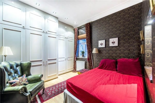 Cupboards by Harrods – Two studio flats near Harrods in Knightsbridge, London, SW3 for sale for extraordinary sums offer ideal homes for pint-sized people – January 2017 – Carter Jonas and Beauchamp Estates – Raised ground floor at Jefferson House, 11 Basil Street at £450,000 ($553,000, €525,000, درهم2.03 million) – Third floor at Beaufort Gardens at £1.65 million ($2.03 million, €1.92 million or درهم7.45 million)