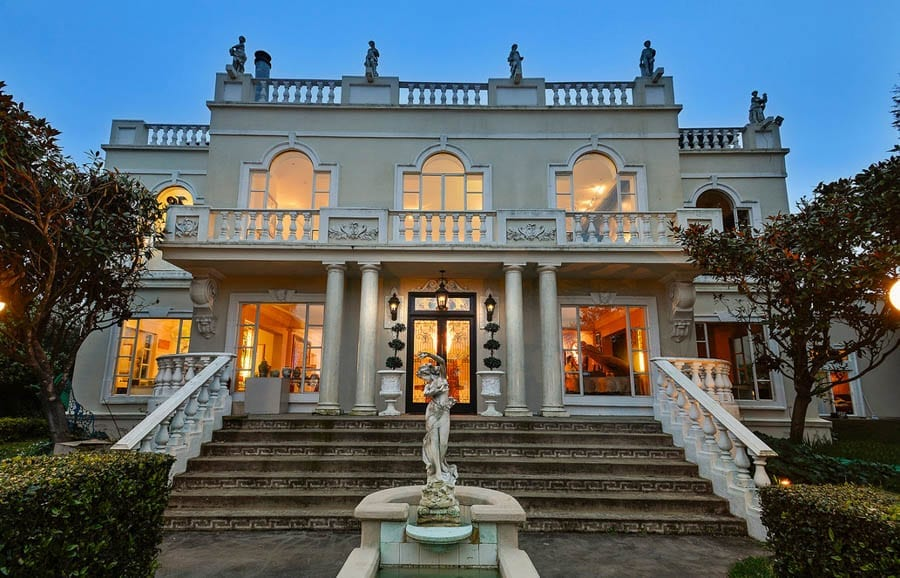 Pritken's Folly – Chenery House, 47 Chenery Street, San Francisco, California, CA 94131, United States of America – For sale for £9.5 million ($12.5 million, €10.4 million or درهم45.9 million) through Joel Goodrich – Currently home and private museum of Robert C. Pritken