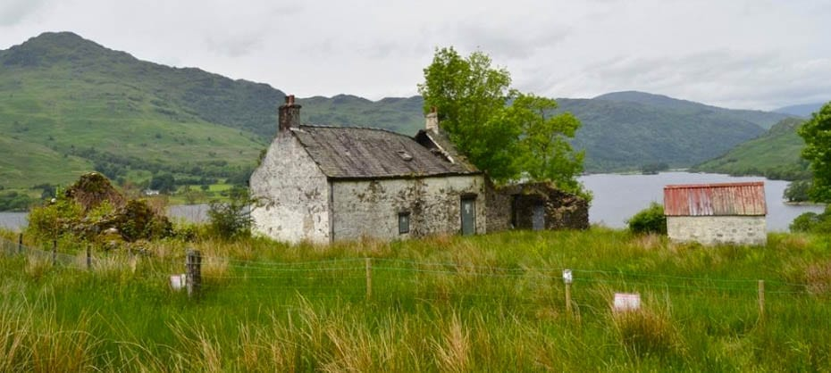 The Bonnie Banks O' Loch Lomond – Derelict cottage for sale with 2.44 acres of land – Doune Cottage, Ardlui, Arrochar, Argyll & Bute, G83, Scotland, United Kingdom – For sale for £75,000 ($97,000, €84,000 or درهم358,000) through Galbraith