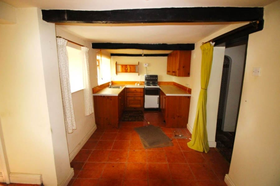 A Cheap Cottage – £80,000 for Falicon Cottage, Fleet Street Lane, Hothershall, Longridge, Preston, Lancashire, United Kingdom, PR3 3YR through Richard Turner & Son – A Lancashire country cottage with 1.4 acres for less than the price of a parking space in Knightsbridge; yours for just £80,000 ($104,000, €92,000 or درهم381,000).