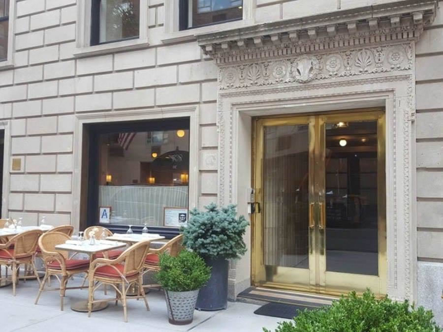 The Snottiest Restaurant in The World – Fleming by Le Bilboquet, 27 East 62nd Street, New York, NY 10065 – New York restaurant that Googles any wannabe diner to see if they are rich enough has to be the most snotty dining spot in the world.