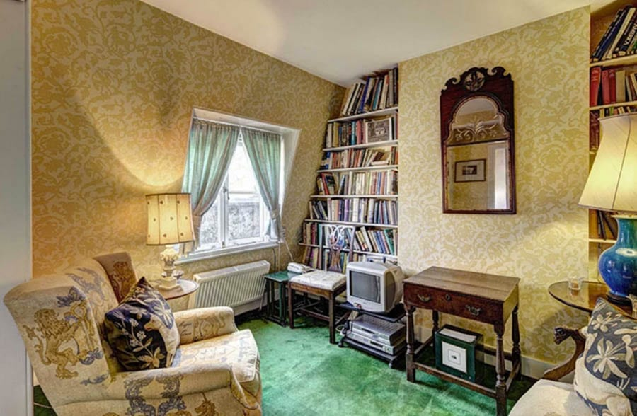 Faded Grandeur – Flat 2, 16 – 17 Ennismore Gardens, London, SW7 1AA, United Kingdom – First Floor Flat and Fifth Floor Staff/Guest Apartment – For sale for £3.75 million ($4.89 million, €4.36 million or درهم17.96 million) through Hobart Slater