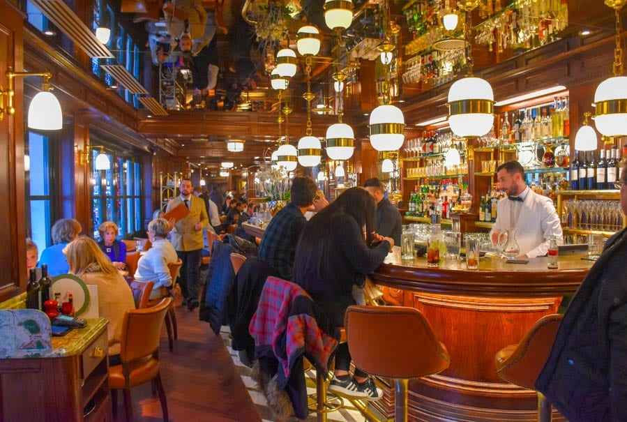 Five of the Worst – London Bars and Restaurants – Matthew Steeples takes a look at where you might want to not go if you wish to avoid bad service, hygiene disasters and vile customers.