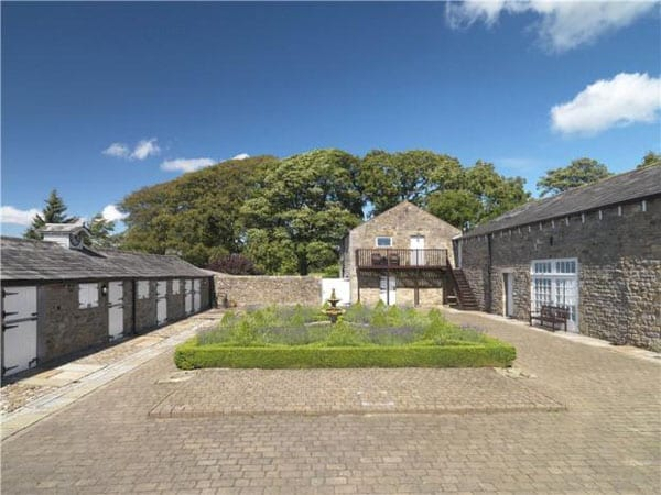 Hay Carr comes with a full range of outbuildings including stabling and an entertaining barn