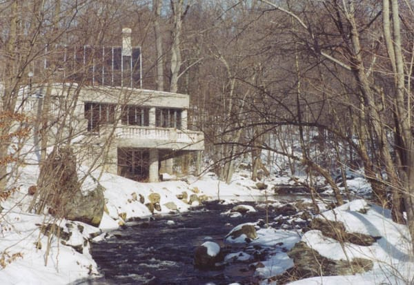A Tremendous Triangle – Iconic modernist house at 160 Mill Road, New Canaan, Fairfield County, Connecticut, CT 06840, USA – Sixth of the Harvard Five architect John Black Lee (1924 – 2016) – The Triangle House – Originally priced at £1.2 million ($1.5 million or €1.4 million or درهم5.5 million) and has now been reduced by 60% to just £471,000 ($750,000 or €658,000 or درهم2.8 million)