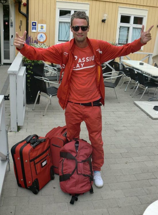 One of our readers, Kimmo Kuusisto, takes his devotion to all things red to a level that the website 'Look at my fucking red trousers' would surely approve of