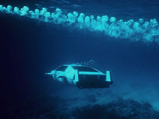 James Bond's Lotus Esprit submarine car