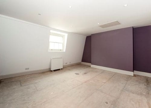Main room £300 per week 500