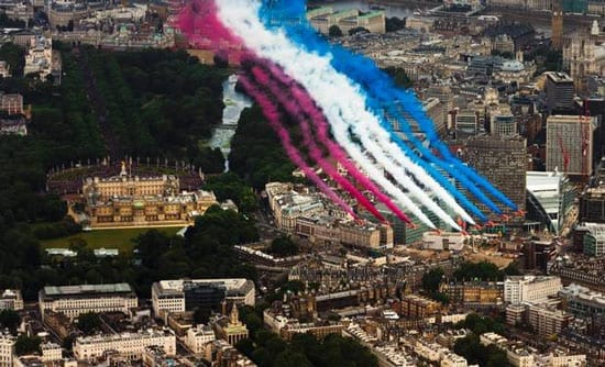 The Red Arrows over Buckingham Palace: an annual delight
