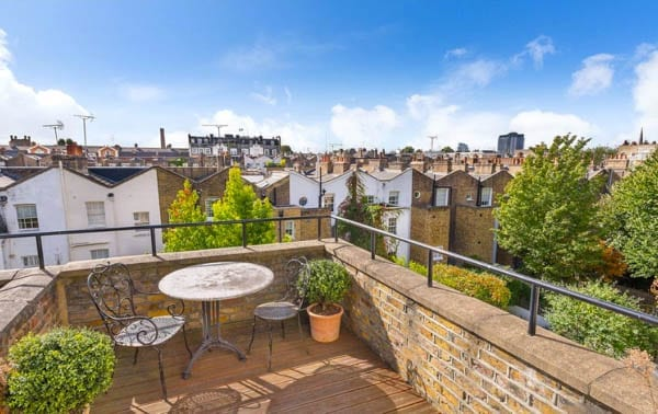 Tales of The Tube – Pelham Street, London, SW7 – House directly next to District and Circle London Underground line for sale for £3.95 million ($5.13 million, €4.38 million or درهم18.83 million) through Strutt & Parker