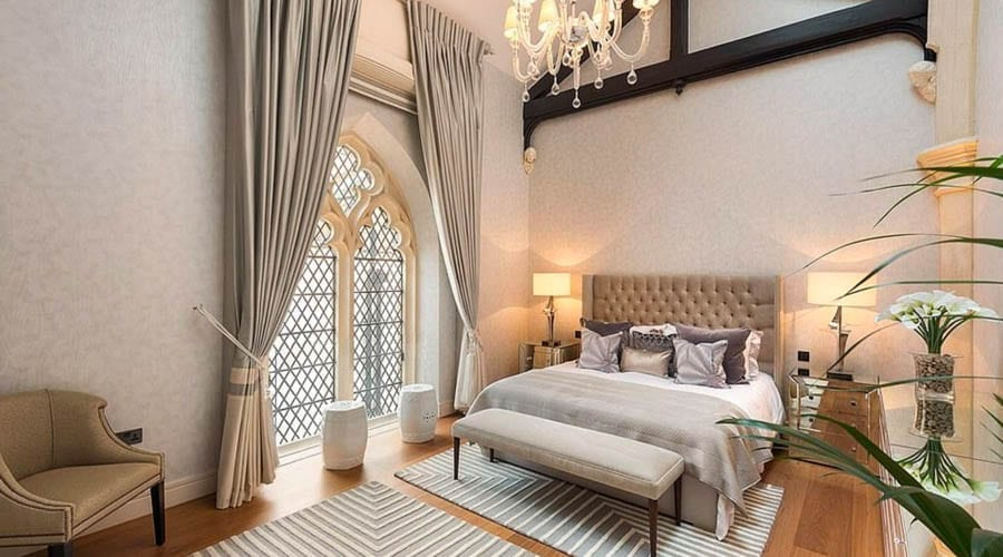 A Hell of a House – Section of Knightsbridge church conversion for sale for 5,000% more than it sold for in 1998 or 450% more than it fetched in 2003 – St Saviour's House, Walton Street, Knightsbridge, London, SW3 1SA for sale for £55 million ($73 million, €66 million or درهم269 million) through Knight Frank.
