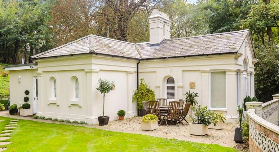 In the Round – Templecombe House, Wargrave Road, Henley-on-Thames, Oxfordshire, RG9 3HU, United Kingdom – C-shaped glass and stone house complete with a Grade II listed set of Druid stones for sale for £7 million ($9.2 million, €7.8 million or درهم33.9 million) through Savills. Neighbour to billionaire fugitive financier Andrey Borodin's Park Place Estate.
