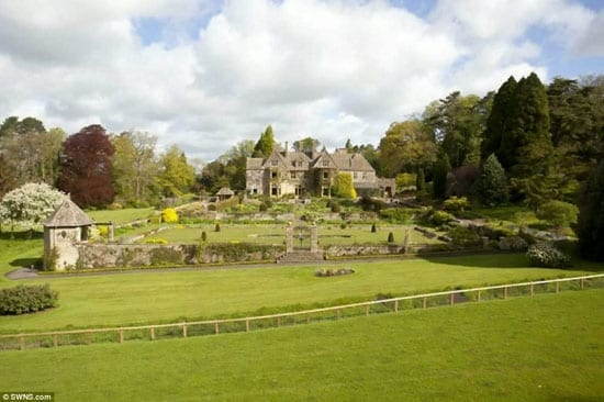 The Abbotswood Estate is likely to sell to a British buyer