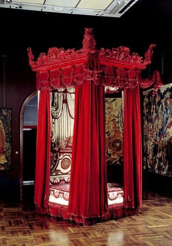 The Melville State Bed is now housed in the Victoria & Albert Museum and is probably surprisingly worth more than the building that originally housed it