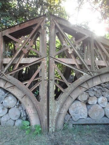 The ironwork is in excellent condition and could be reused in many ways
