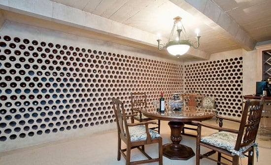 The wine cellar accommodates up to 1300 bottles