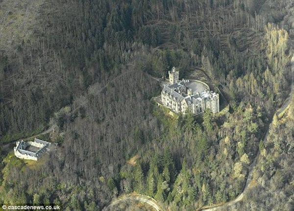 Today, though, the castle is surrounded by trees