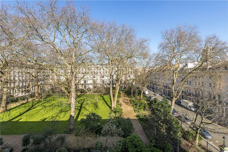 An Expensive Blank Canvas – Flat 4, 33 Ennismore Gardens, Knightsbridge, London, SW7 1AE – Repossessed shell maisonette for sale for £5.25 million ($6.6 million, €6.1 million or درهم24.1 million) through Knight Frank