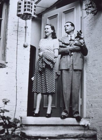 Vivien Leigh and Laurence Olivier at Durham Cottage with their cat New Boy in 1946