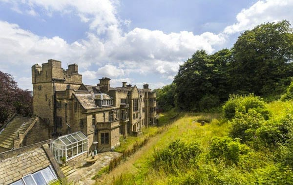An unlucky mansion – Whinburn Hall, Hollins Lane, Utley, Keighley, West Yorkshire, BD20 6LU – On the market for £1.45 million in 2016; marketed in 2007 for £1.5 million (or the equivalent of £1.88 million today)
