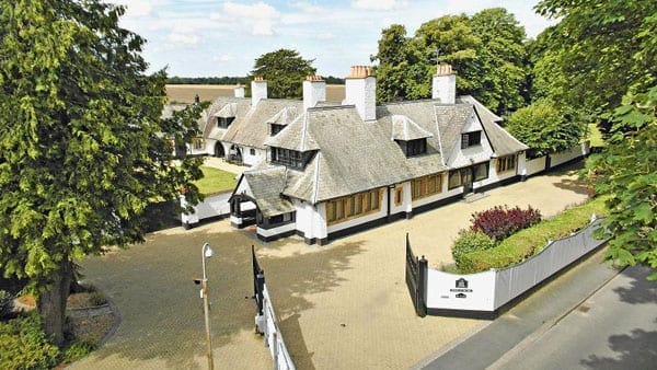 White Horse Stables has been home to the Dettori family since 1998