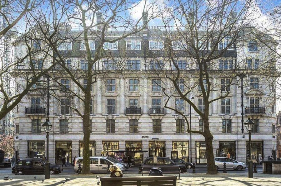 Take Me To The Titanic – Wyndham House, Sloane Square, London, SW1W 8AR – For sale for £6.2 million ($8 million, €7.3 million or درهم29.5 million) through Cluttons – Home to Christopher Head (1869 – 1912), former Mayor of Chelsea, who died on the RMS Titanic on 15th April 1912