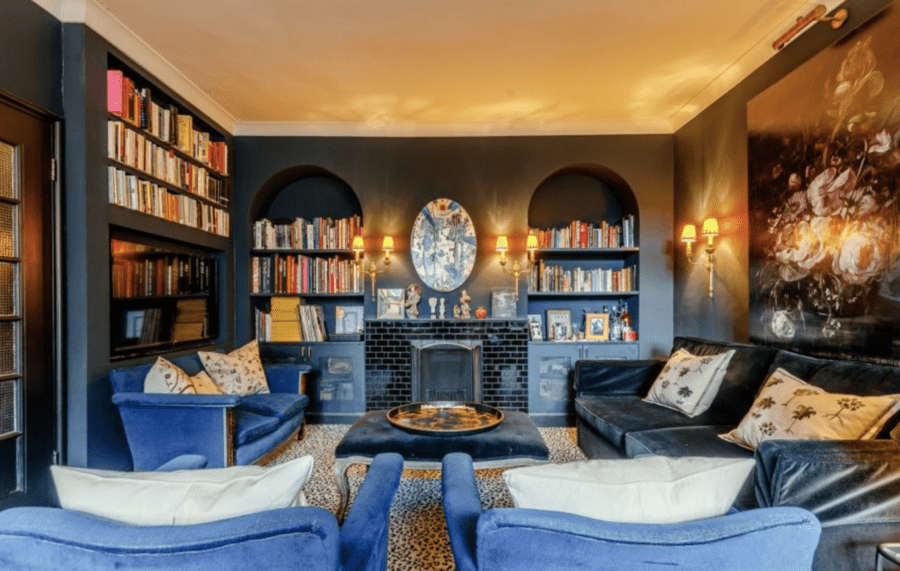 """A Cockney Paradise in Chelsea – Actor Harry Fowler's apartment for sale Art deco mansion block apartment in Chesil Court, Chelsea Manor Street, Chelsea, London, SW3 5QS, United Kingdom that was once home to the """"cheeky Cockney"""" actor Harry Fowler for sale for £975,000."""