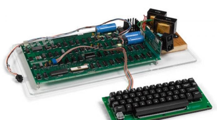 """An Expensive Apple – Apple-1 computer for sale for £235,000 – Original Apple-1 computer to be auctioned by Bonhams in New York on 4th December 2019 with an estimate of £156,000 to £234,000 ($200,000 to $300,000, €182,000 to €273,000 or درهم735,000 to درهم1.1 million); it is surprisingly still in """"working condition."""""""