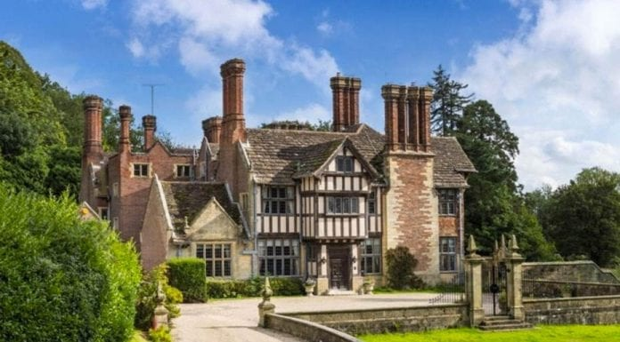 A Wholesome House – Chownes Mead, Chownes Mead Lane, Cuckfield, Haywards Heath, West Sussex, RH16 4BS – For sale with Savills for £5.75 million ($7.17 million, €6.77 million or درهم26.33 million) – The Rt. Hon. The Lord Woolton CH, PC (1883 – 1964) – Kleinwort banking family