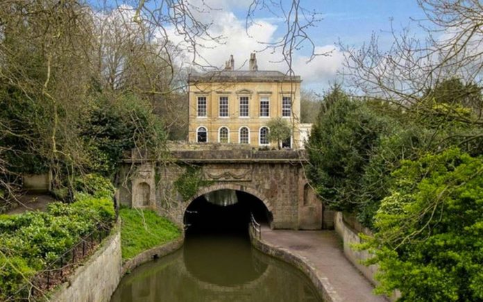 Domesticity on a Canal – Grade II* listed Cleveland House, Sydney Road, Bath, BA2 6NR – For sale for £3.5 million ($4.2 million, €4.5 million or درهم16.6 million) through Carter Jonas – Formerly known as Canal House and originally offices of Kennet & Avon Canal Company.
