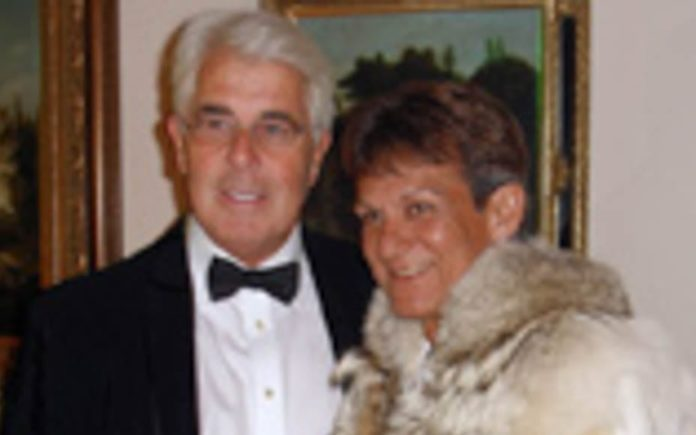 Tittle Tattle Towning – James Stunt speaks out against Ian Towning – James Stunt responds to yet another nonsensical interview by the peddler of junk Ian Towning, a man who knows zilch about art. Ian Towning pictured with the late paedophile Max Clifford.