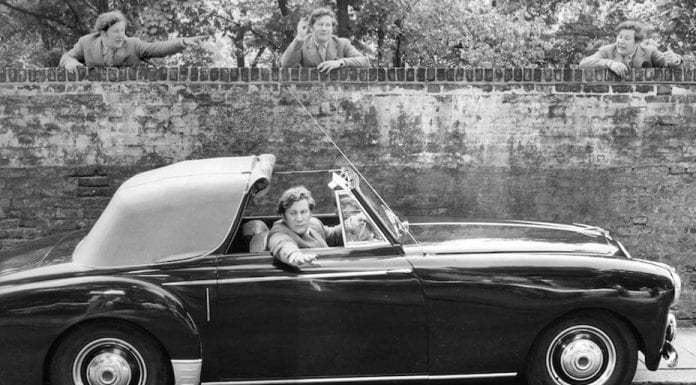 Look – It's a Lagonda – 1953 Lagonda 3-litre drophead coupé – Originally owned by Sir Peter Ustinov, CBE FRSA – To be sold at auction for £70,000 to £90,000 ($89,000 to $114,000, €80,000 to €102,000 or درهم327,000 to درهم420,000) by H&H Classics on 26th July 2017