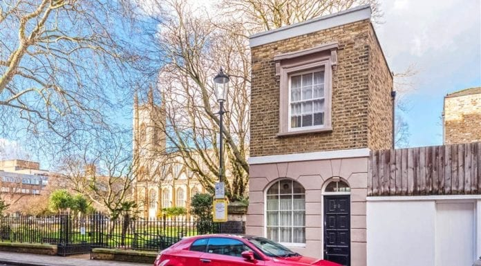 Pint Sized – 20 Britten Street, Chelsea, London, SW3 3TX – For sale for £600,000 ($750,000, €705,000 or درهم2.8 million) through Douglas & Gordon – Smallest stand-alone house in Chelsea