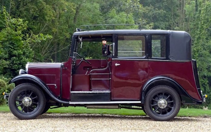 Taxi! – 1938 Austin 12/4 Heavy Low Loader Taxicab with coachwork by J. & H. Ricketts to be sold by H&H Classics at their Imperial War Museum Duxford sale in Cambridgeshire on 29th March 2017 – Estimate: £24,000 to £28,000 ($30,100 to $35,200, €27,700 to €32,400 or درهم110,700 to درهم129,100)