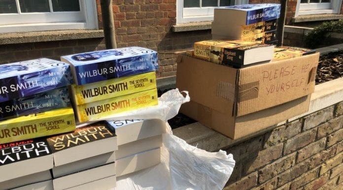 Booking Wilbur – Author Wilbur Smith shows his generous spirit – The generosity of Wilbur Smith in leaving books for passerby is something to be celebrated; others should follow his lead.