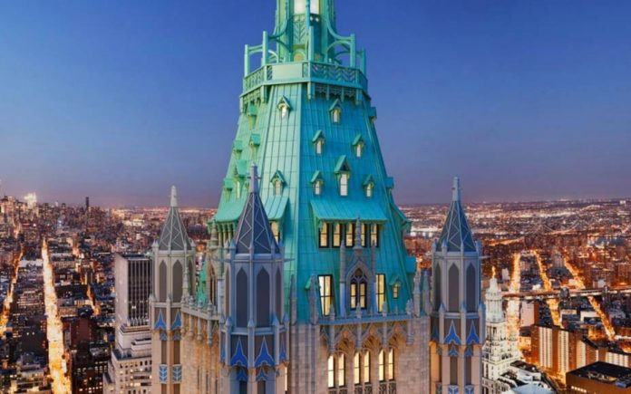 """A Castle of Commerce – £60.3 million ($79 million, €70.6 million or درهم290.1 million)for penthouse at Woolworth Tower Residences, Woolworth Building, 2 Park Place, 233 Broadway, New York, United States of America – Penthouse in """"the cathedral of commerce"""" that is the Woolworth Building in NYC for sale for £60min spite of just being a raw space."""
