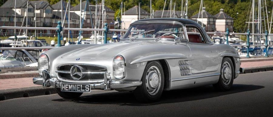 Change From £100k – London Classic Car Show 2020 – New contributor and classic cars enthusiast Theodora Ong covets roadsters with wings, curves and chrome at the London Classic Car Show 2020.