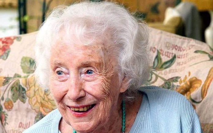 "Heroine of the Hour – Dame Vera Lynn on coronavirus – Forces sweetheart Dame Vera Lynn shares her thoughts on coronavirus and urges the public to ""pull together"""
