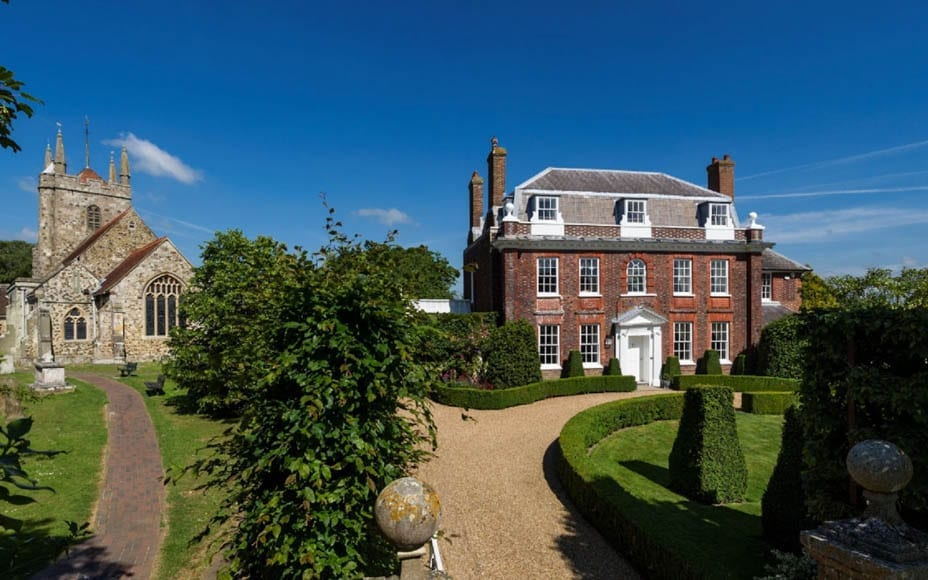 A Reverend's Residence - £975,000 for Hailsham Grange, Vicarage Road, Hailsham, Wealden, East Sussex, BN27 1BL at Savills auction on 26th March 2020 – Part vacant Grade II* listed Queen Anne former vicarage in East Sussex to be auctioned online (due to the coronavirus outbreak).