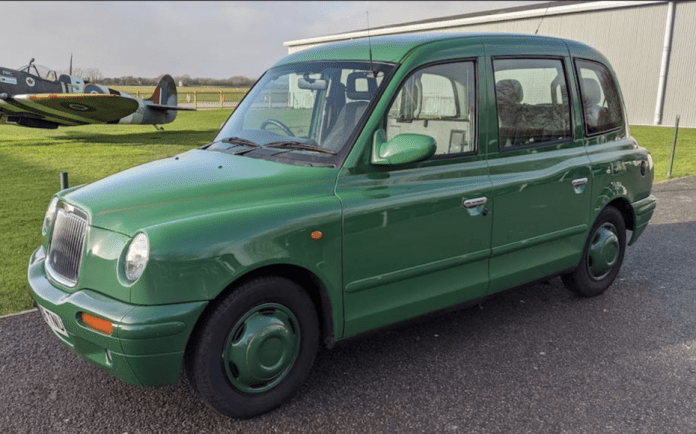 A Meterless Cab – 2006 London Taxi International TXII Gold to be auctioned by Bonhams at their online Bicester sale on 30th May 2020 with an estimate of £12,000 to £18,000 ($14,700 to $22,000, €13,600 to €20,400 or درهم53,900 to درهم80,900) – Black cab that has never carried a paying passenger to be auctioned; originally owned by construction giants Sir Robert McAlpine Ltd.