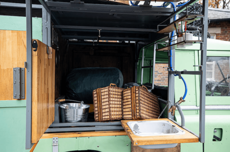 The Best Gastrowagon By Far – Hugh Fearnley-Whitingstall Land Rover – Land Rover converted into a 'gastrowagon' for television chef Hugh Fearnley-Whitingstall's first television series heads to auction – Bonhams to sell with an estimate of £25,000 to £35,000 ($33,200 to $46,500, €28,000 to €39,200 or درهم121,900 to درهم170,700) for the 1965 / 1982 2.25-litre Land Rover 'Gastrowagon' at their Bicester Heritage sale on 11th December 2020.